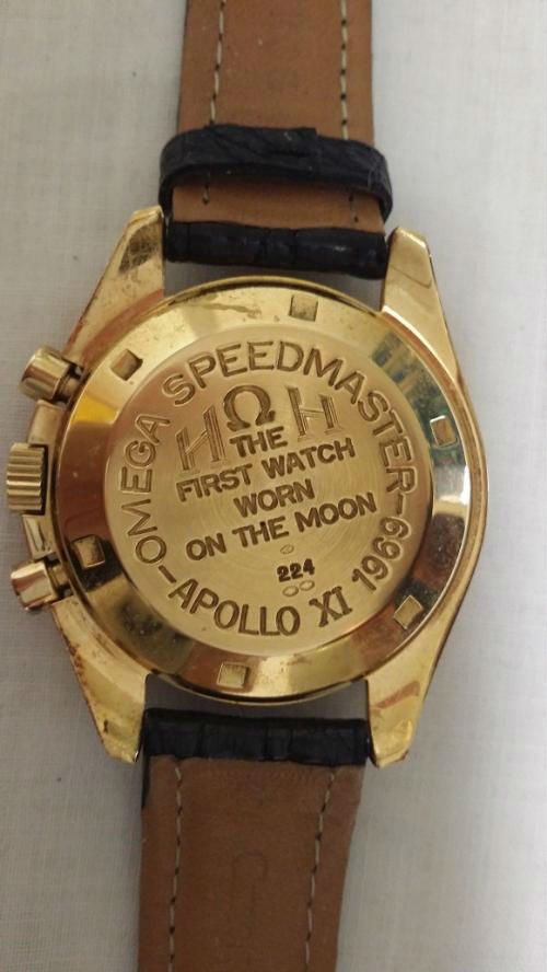 OMEGA - Speedmaster - Or - Modèle spécial fond gravé Apollo XI